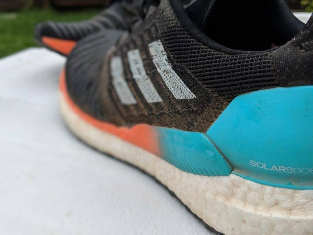 Боковая сторона Adidas Solarboost