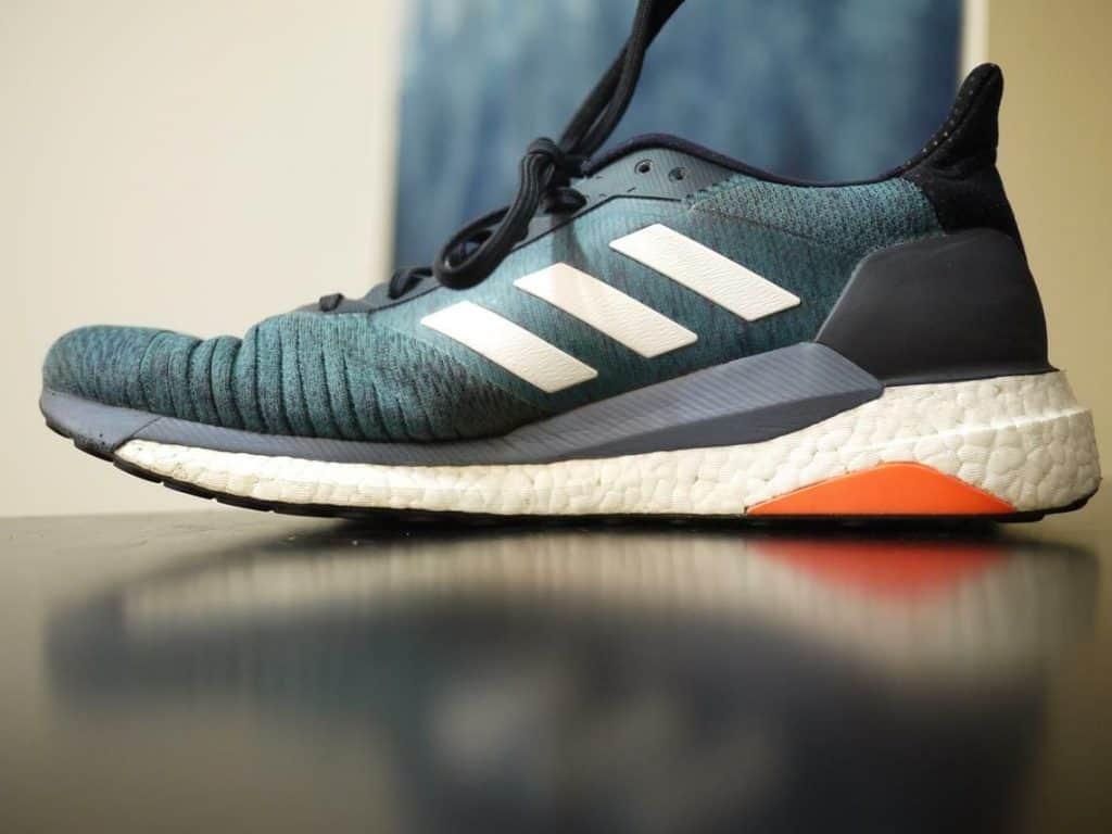 Медиальная сторона Adidas SolarGlide