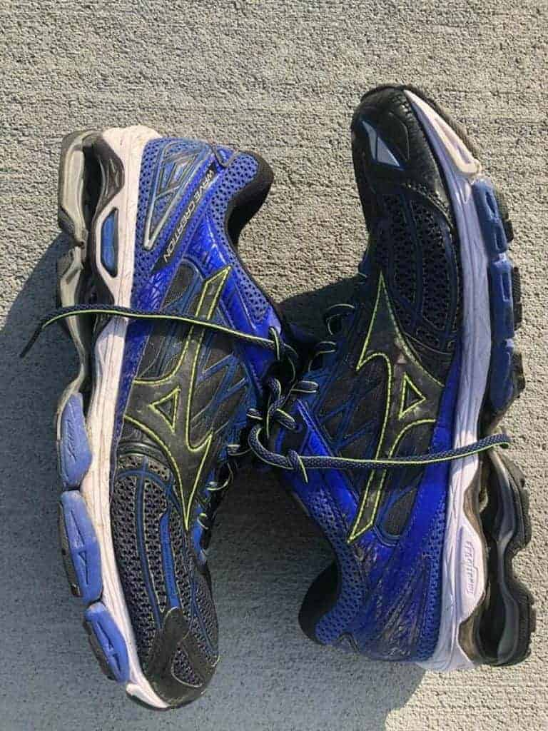 Пара Mizuno Wave Creation 19