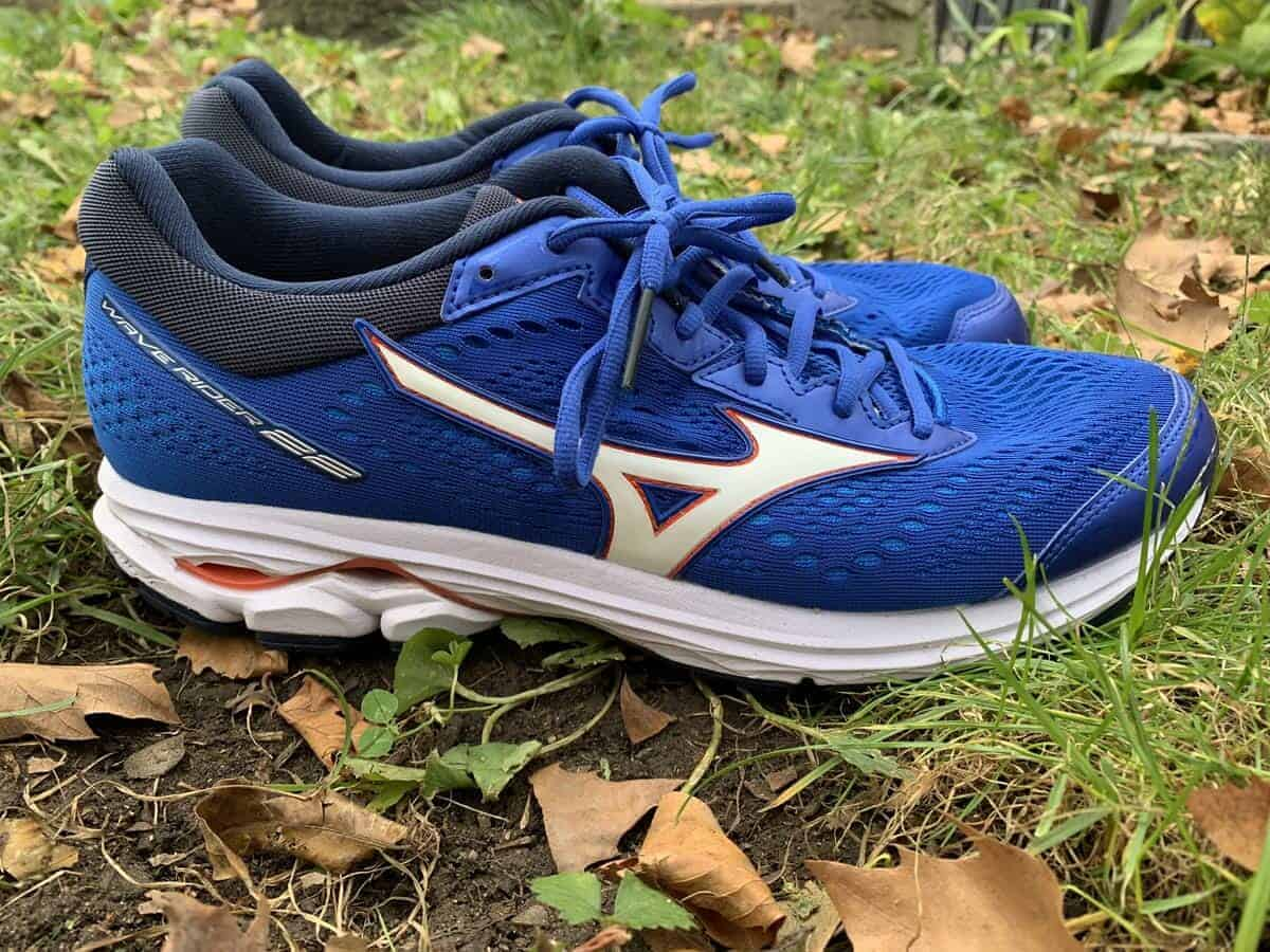 Mizuno-Wave-Rider-22-Lateral-Side