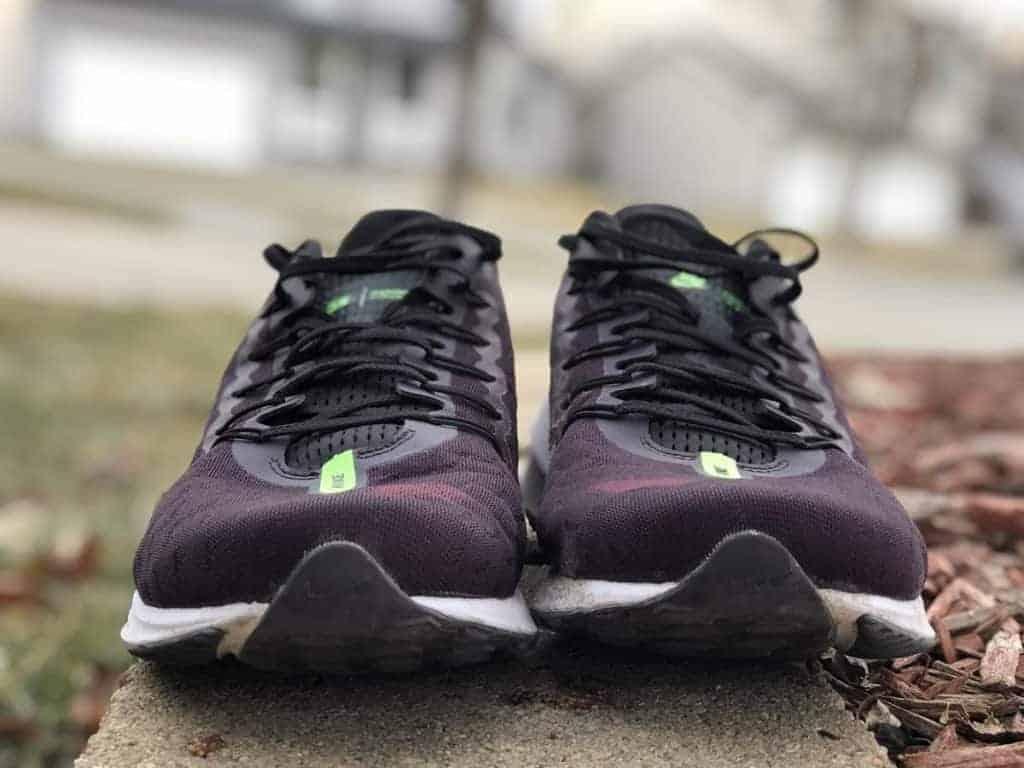 Nike Zoom Vomero 14 - вид спереди
