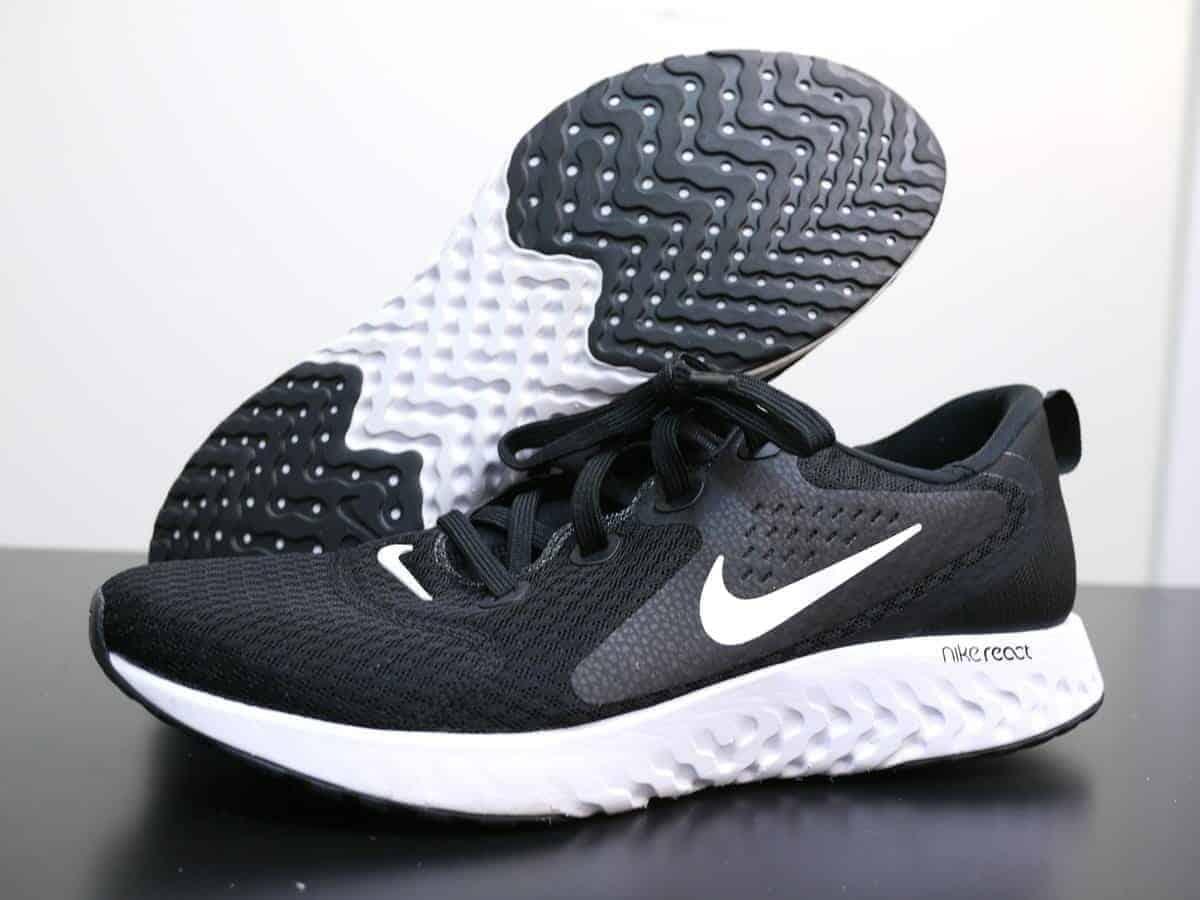 Nike-Legend-React-Pair