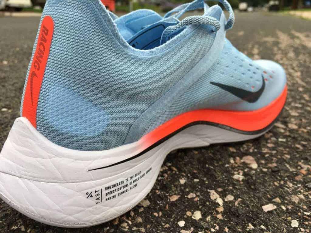 Nike Zoom Vaporfly 4% - вид сбоку