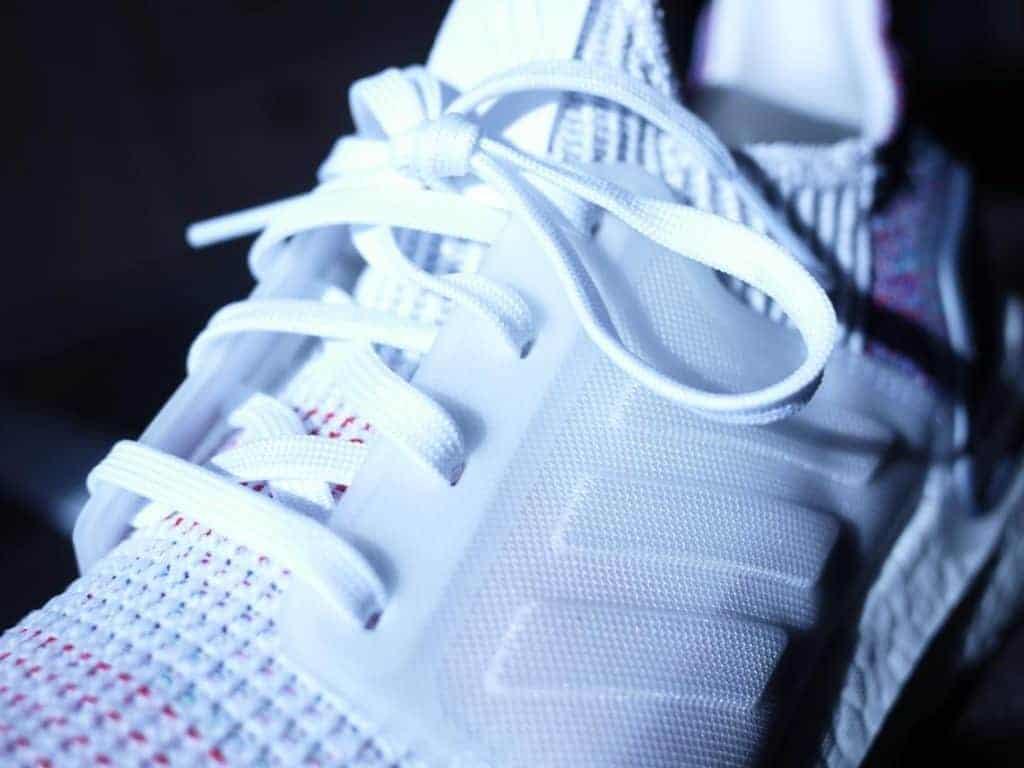 Adidas UltraBoost 19 - вид вблизи