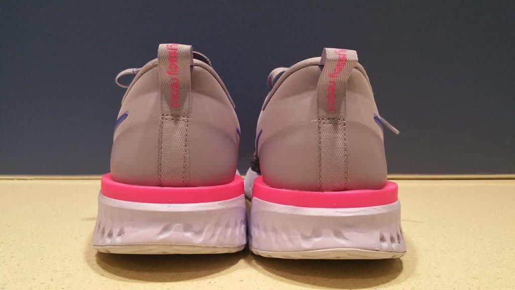Nike Odyssey React 2 Flyknit - пятка