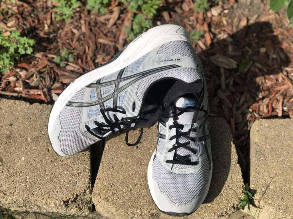 Asics Gel Contend 5 - пара кроссовок