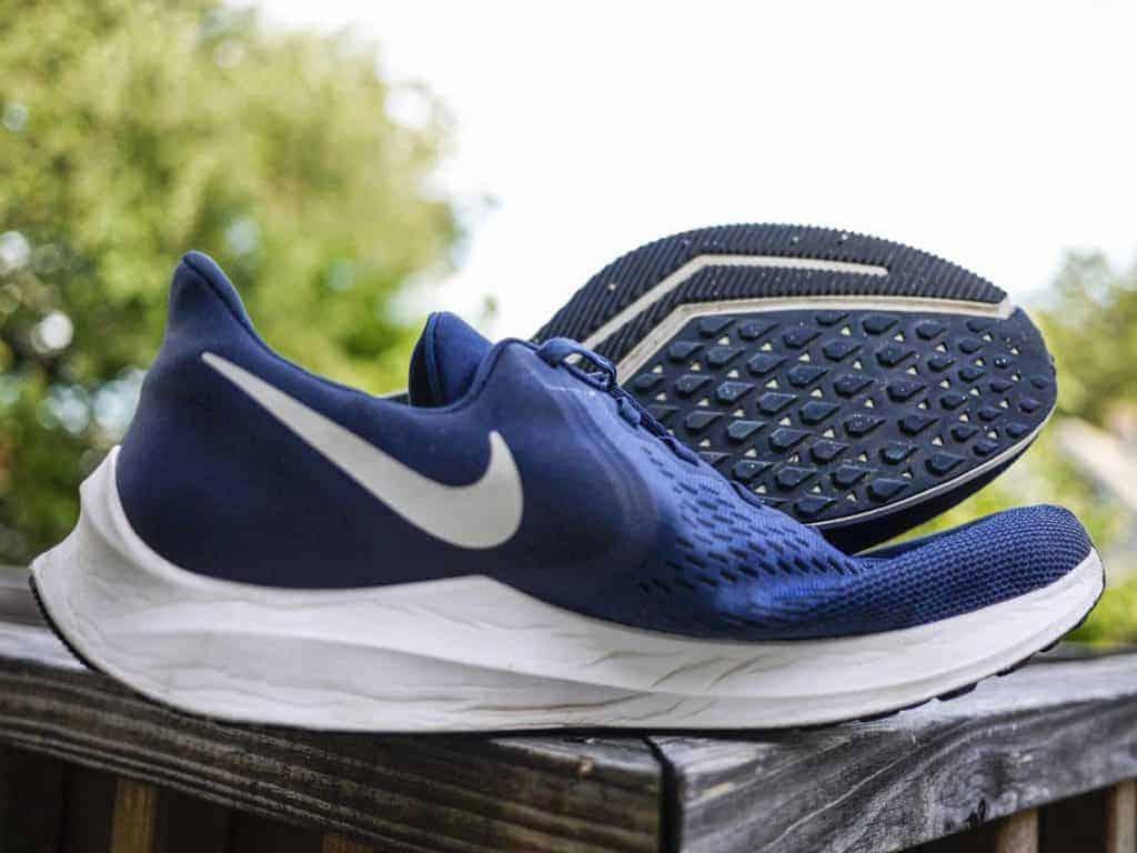 Nike Winflo 6 - пара кроссовок