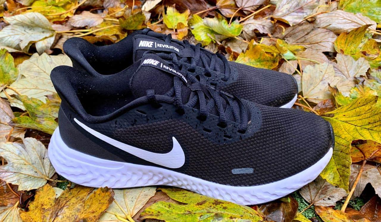 Nike-Revolution-5-Image-02