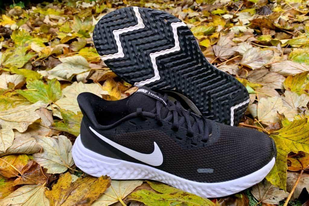 Nike Revolution 5 - Пара обуви