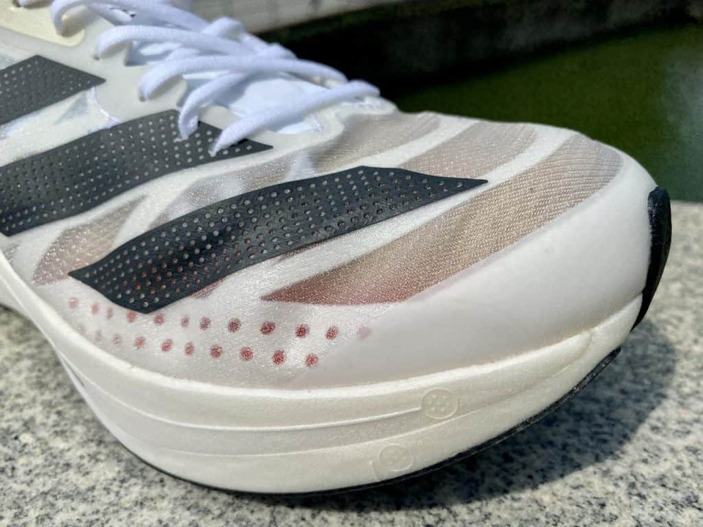Adidas Adizero Adios Pro 2 - Вид спереди вблизи