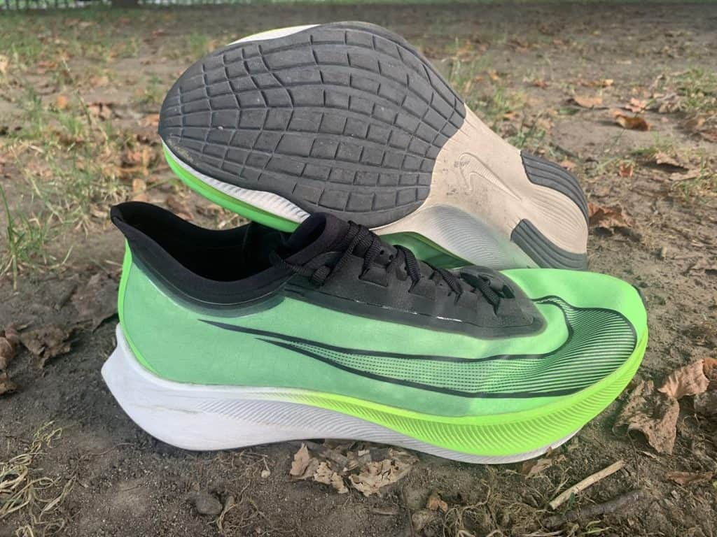 Nike Zoom Fly 3 - пара кроссовок