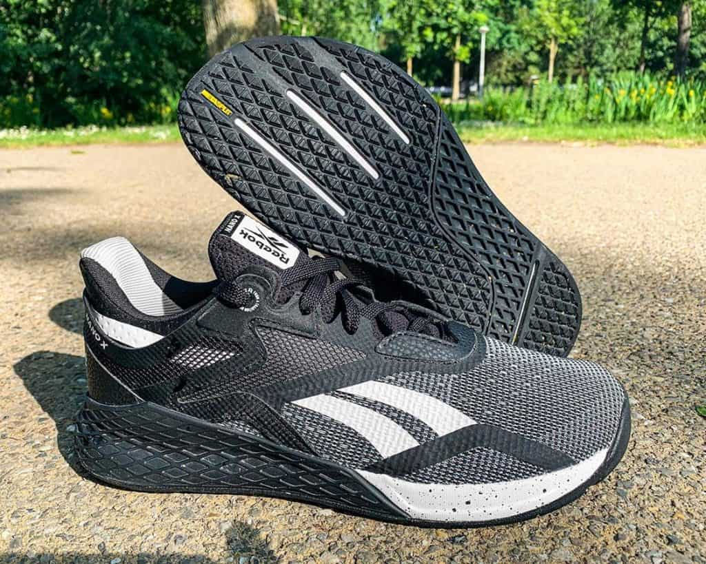 Reebok Nano X - пара кроссовок